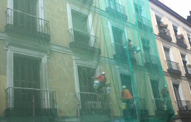 Aislamiento y rehabilitación de fachadas en edificios