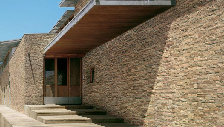 fachadas de cristal o de madera